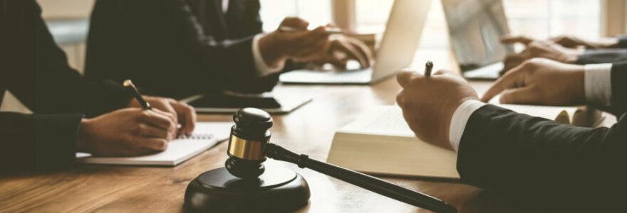 Quel cabinet d'avocats choisir